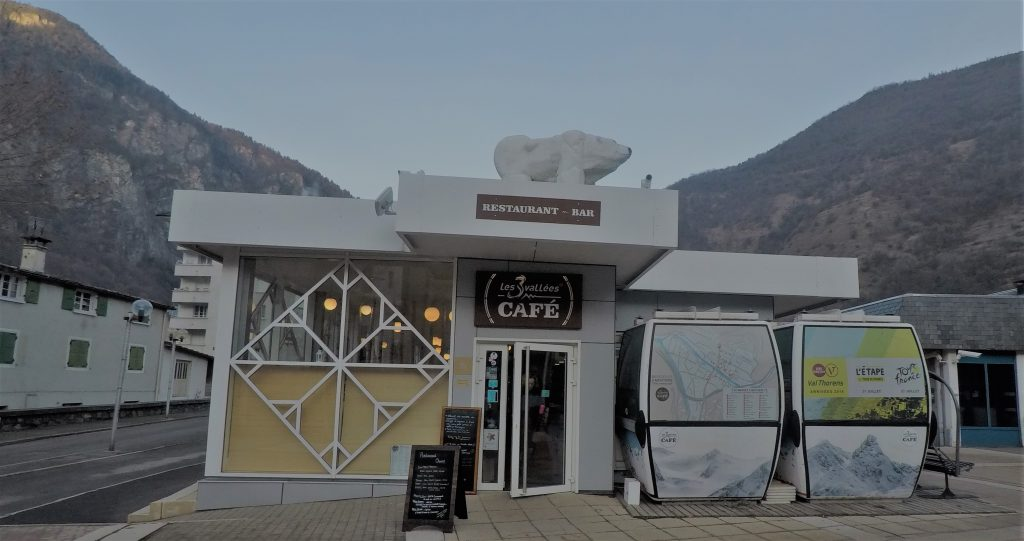 les 3 vallees cafe moutiers